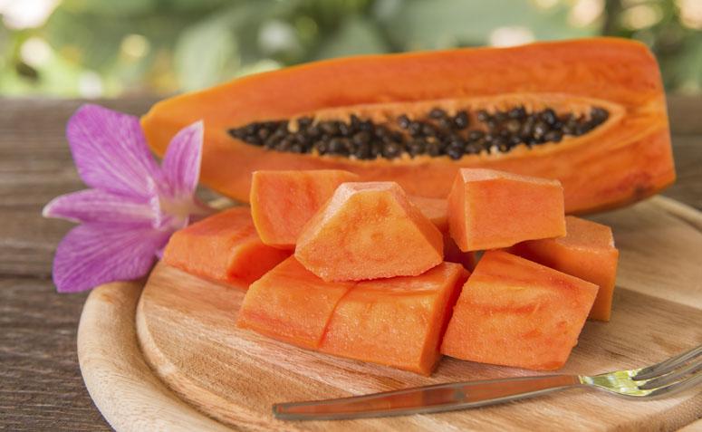 Hidrate os cabelos com mamão papaia
